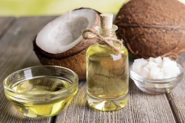 12 Công dụng của dầu dừa trong làm đẹp