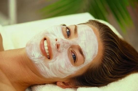 Dầu dừa giúp da căng mịn và tái tạo da