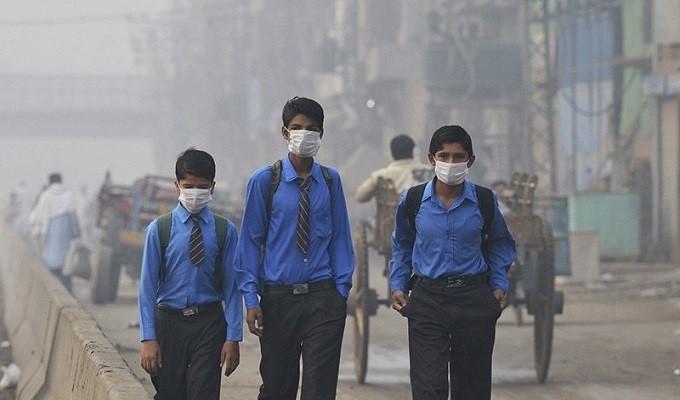 Tránh tiếp xúc với không khí bị ô nhiễm bảo vệ hệ hô hấp