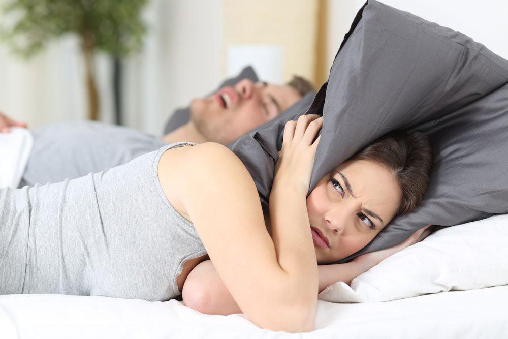 Giảm ngay tình trạng ngáy ngủ với loạt giải pháp đơn giản này - Ảnh 1